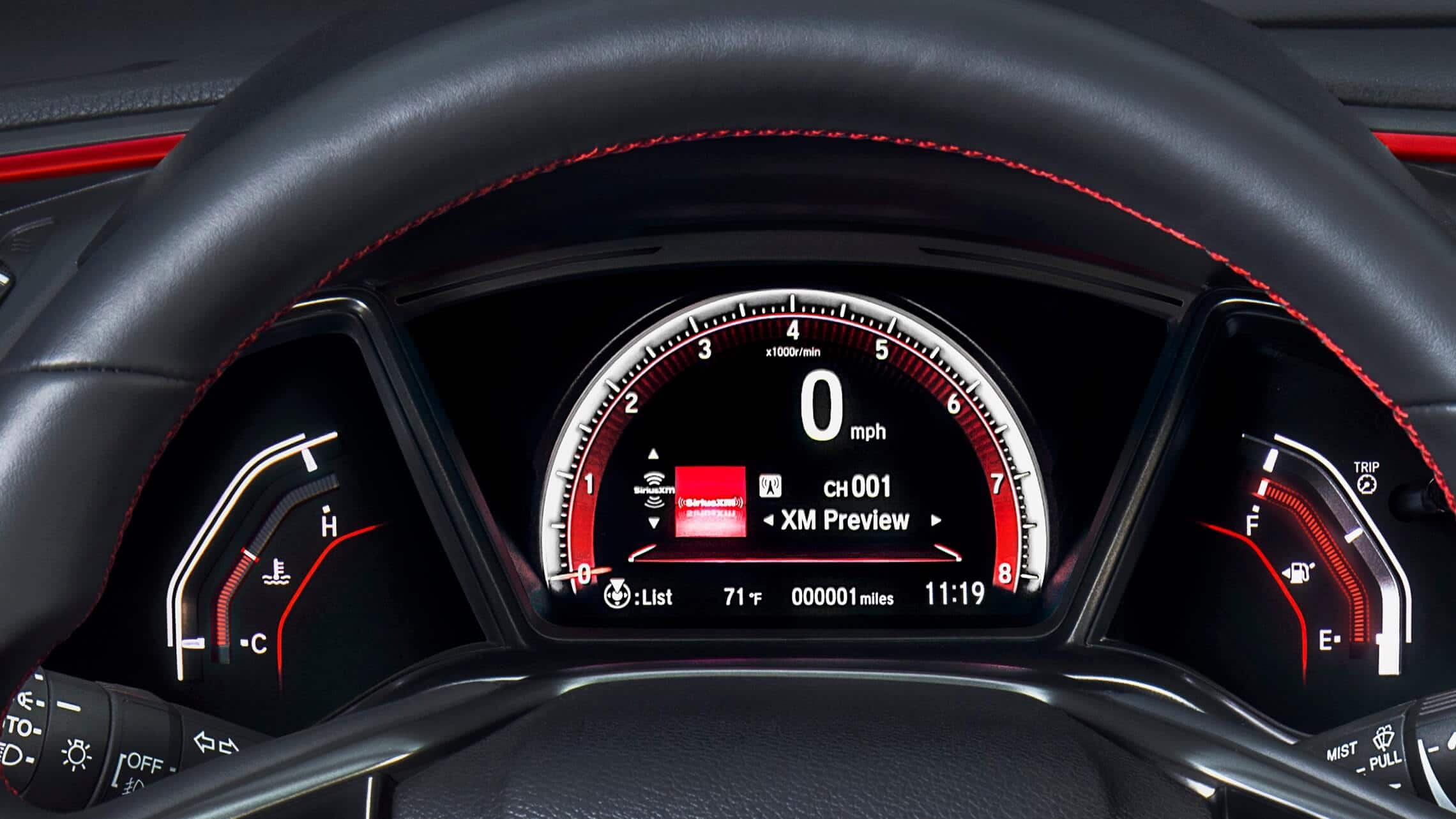 Driver Information Interface detail in 2020 Honda Civic Si Coupe.